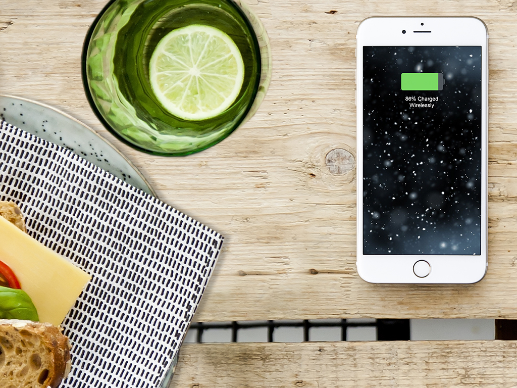 ZENS iPhone 8 wire-free charging technology Wireless Charging Hospitality